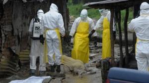 ebola-dead-body-guinea-liberia_si